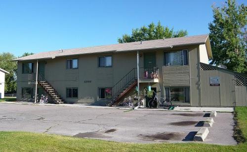 2306 Hillview Court #2 Photo 1