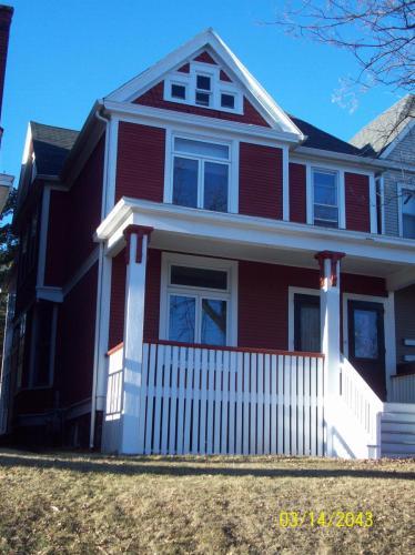 907 E 5th Street #2 Photo 1