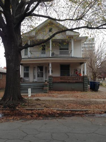 1315 S Carson Avenue Photo 1