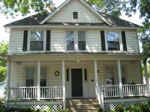 710 W Hill Street #4 Photo 1
