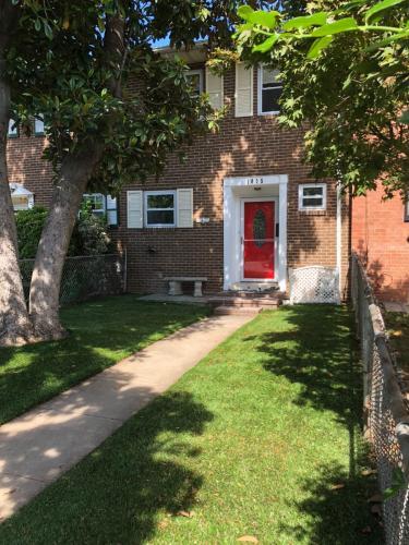 1005 Colonial Avenue Photo 1