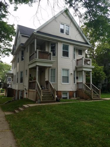 2555 N Bartlett Avenue Photo 1
