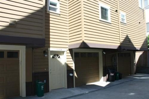 11030 Greenwood Avenue N #B Photo 1