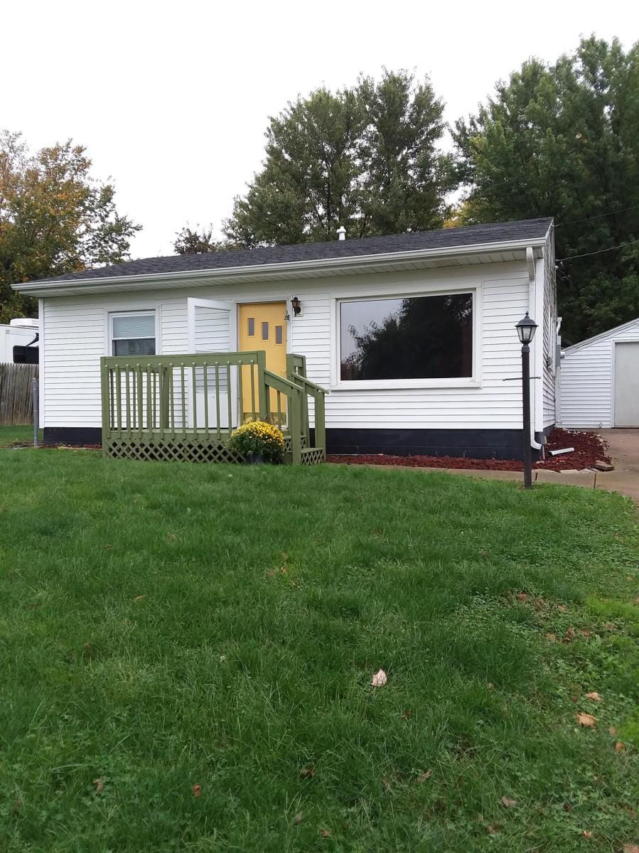 320 W Peoria Street, Elmwood, IL 61529 | HotPads