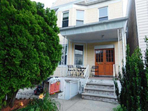 109 Oak Street #2 Photo 1