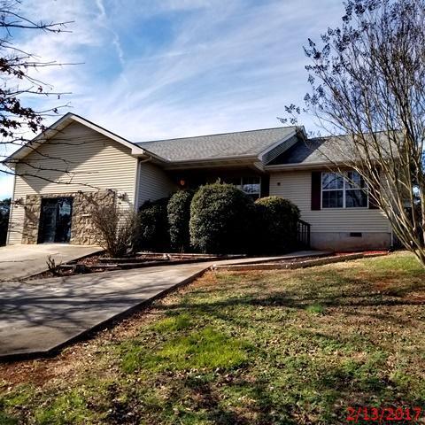 119 N Clover Hill Ridge Road Photo 1