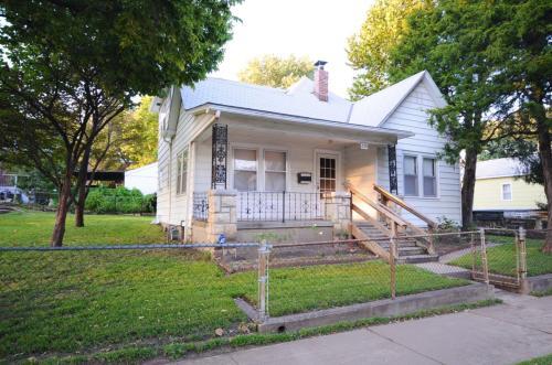 650 Elizabeth Avenue Photo 1