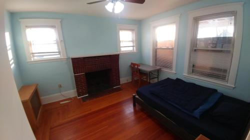 44 Woodbine Street #ROOM 1A Photo 1