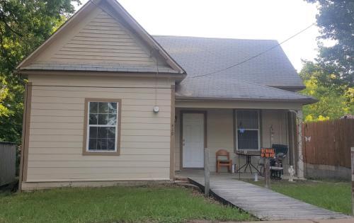 419 W Tennessee Street Photo 1