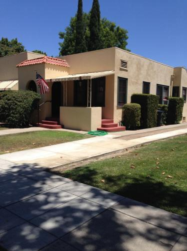353 S Glassell Street #A Photo 1