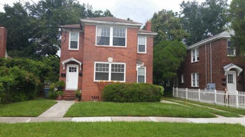2655 Dellwood Avenue Photo 1