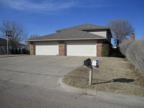 6705 W Britton Road Photo 1