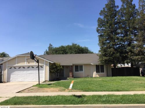 1572 Baywood Avenue Photo 1
