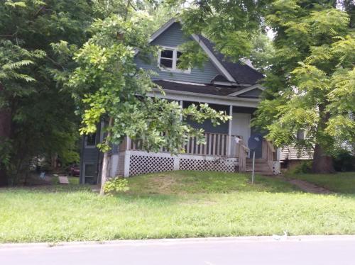 1112 N Gaines Street Photo 1