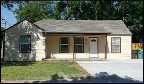 1802 N Woods Street Photo 1