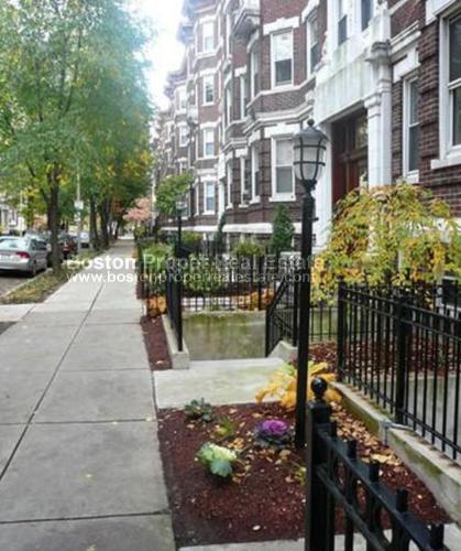 102 Queensberry Street Photo 1