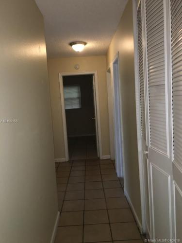 6834 SW 10th Street Photo 1