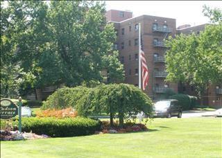2329 Hudson Terrace Photo 1