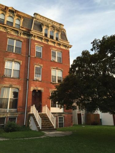 10 Eastman Terrace #2 Photo 1