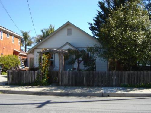 214 Dufour Street Photo 1