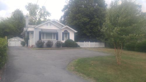 1115 S Crest Road Photo 1