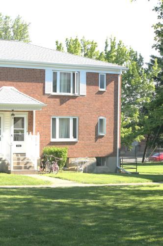 2052-1 Westfield Terrace Photo 1