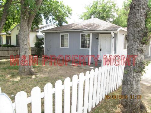 930 Alamos Avenue Photo 1
