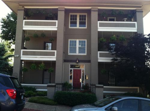 928 2nd Street SW #1 Photo 1