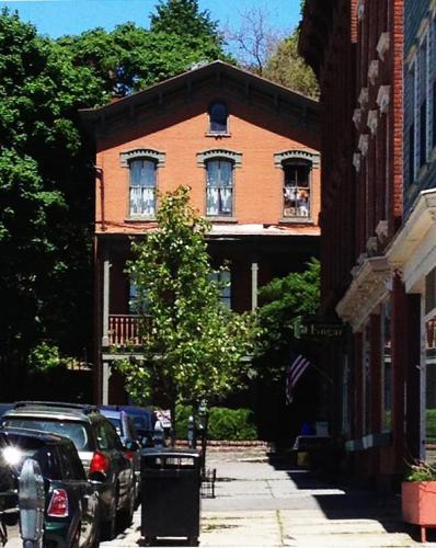 468 Main Street #3 Photo 1