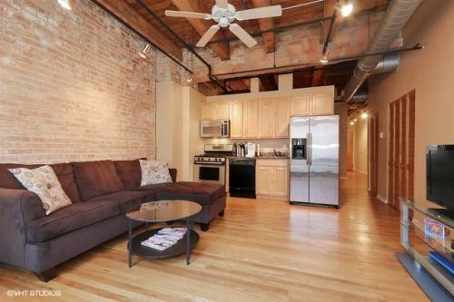 2310 S Canal Street #408 Photo 1