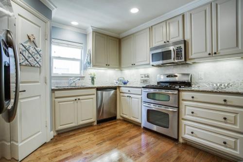 3305 Rosedale Avenue #2 Photo 1
