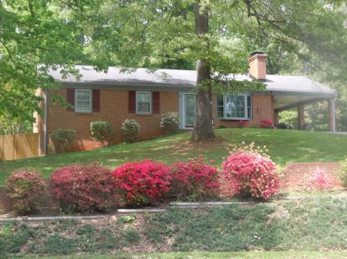 144 Chesterfield Drive Photo 1