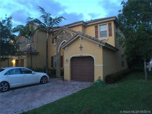 955 SW 152nd Court Photo 1