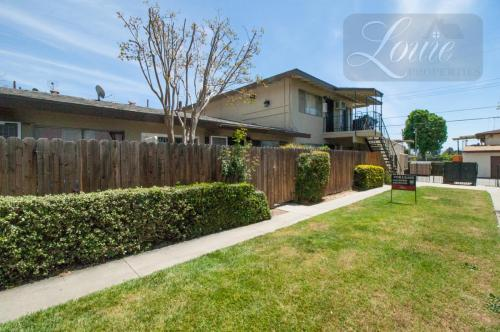 1223 W Rosewood Court #B Photo 1