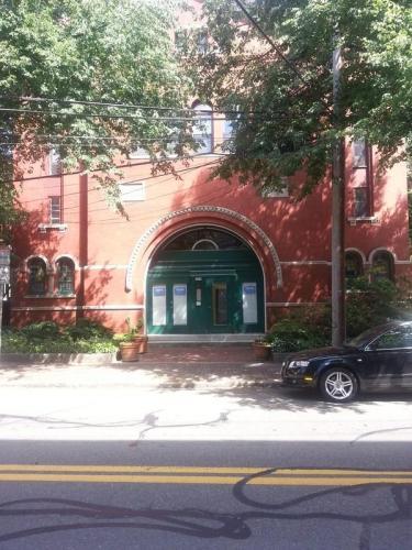 242 Columbia Street #2N Photo 1