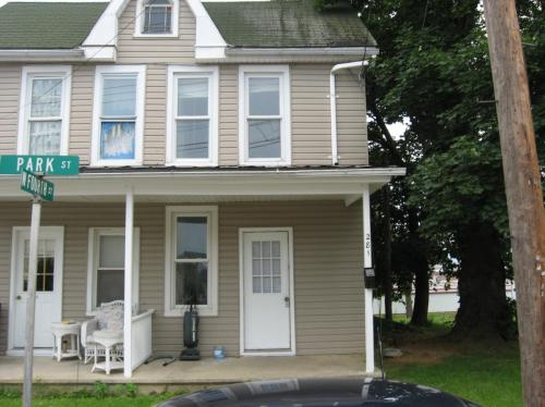 281 Park Street Photo 1