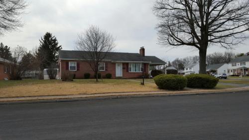912 Kenwood Drive Photo 1