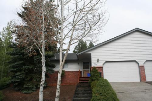 1754 SW Forest Ridge Avenue Photo 1