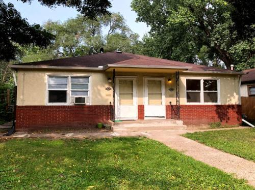 4228 Bloomington Avenue Photo 1