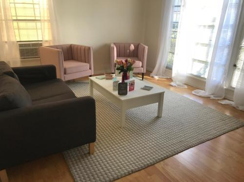 639 S Cochran Avenue Photo 1