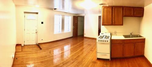4355 S Sawyer Avenue Photo 1
