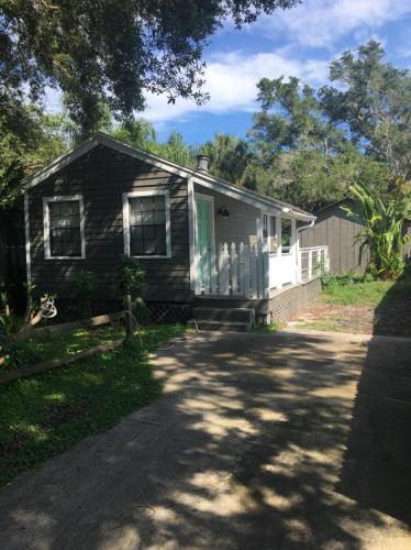 2905 W Bay Avenue Photo 1