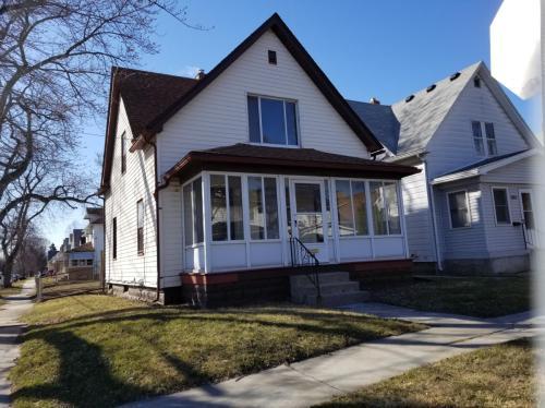 2801 Chestnut Street Photo 1