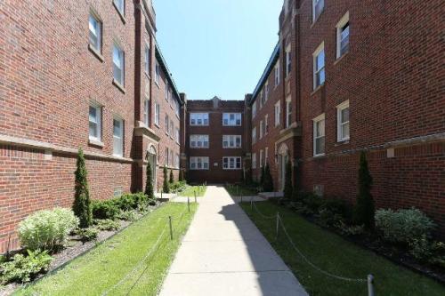 4901 N Whipple Street #1E Photo 1