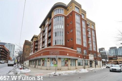 657 W Fulton Street Photo 1