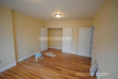82 Litchfield Street Photo 1