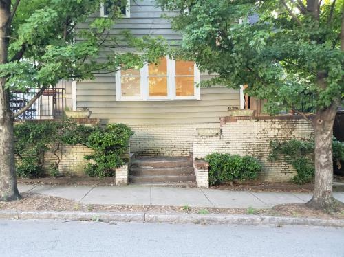 936 Argonne Avenue NE #936 Photo 1