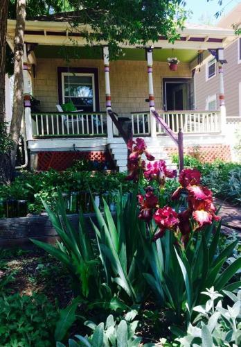 1306 W Kiowa Street Photo 1