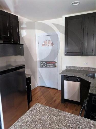 4645 N Wolcott Avenue Photo 1