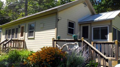 1043 Lake Hortonia Road Photo 1
